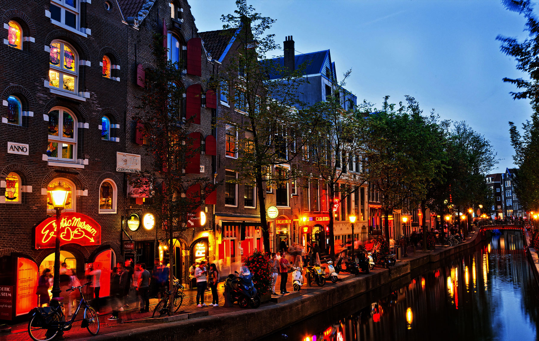 20 Under $100 Budget-Friendly Places to Live in Amsterdam on a Family Vacation