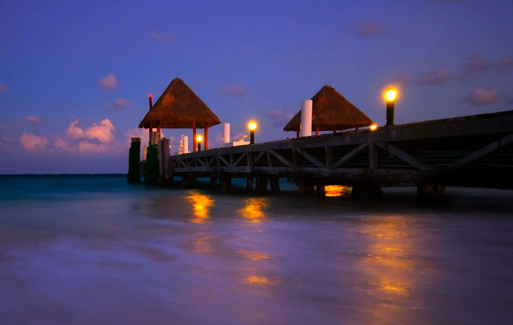 Best Romantic Places to See in Cancun on Your Honeymoon Holidays