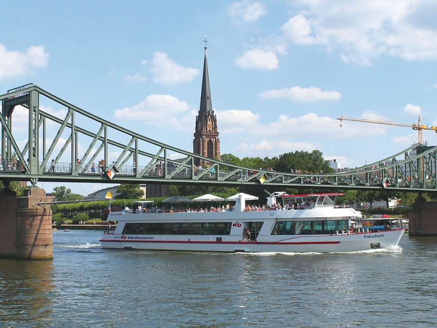 The Speedboat Tour in Frankfurt