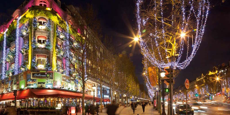 Celebrate Christmas Day 2018 in Paris